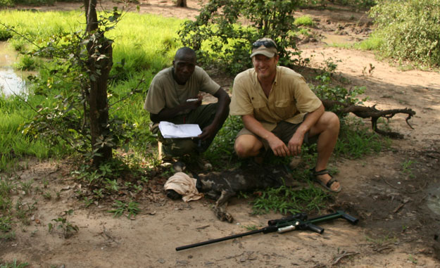Matt Becker and The Zambia Carnivore Project Use Dan-inject Dart Guns